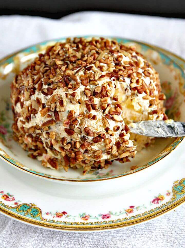 Make Pineapple Pecan Cheese Ball Recipe