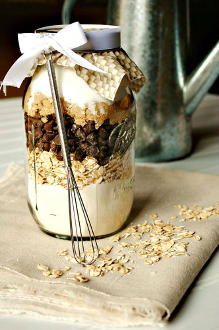 Chocolate Chip and Oatmeal Cookies in a Jar Recipe